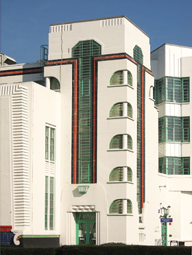 on the trail of poirot art moderne london in the 1930s