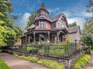 Victorian homes in Portland Oregon